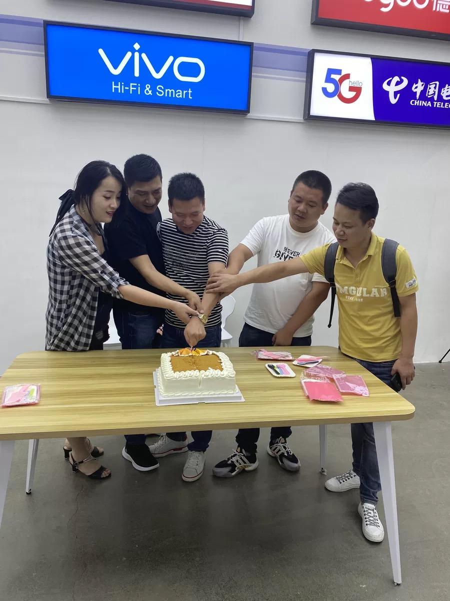 """""""店招全能王""""签约合影留念"""